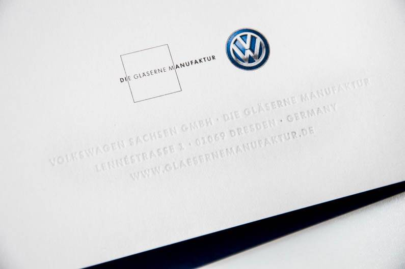 Gläserne Manufaktur Volkswagen Einladung by Wolf-Manufaktur