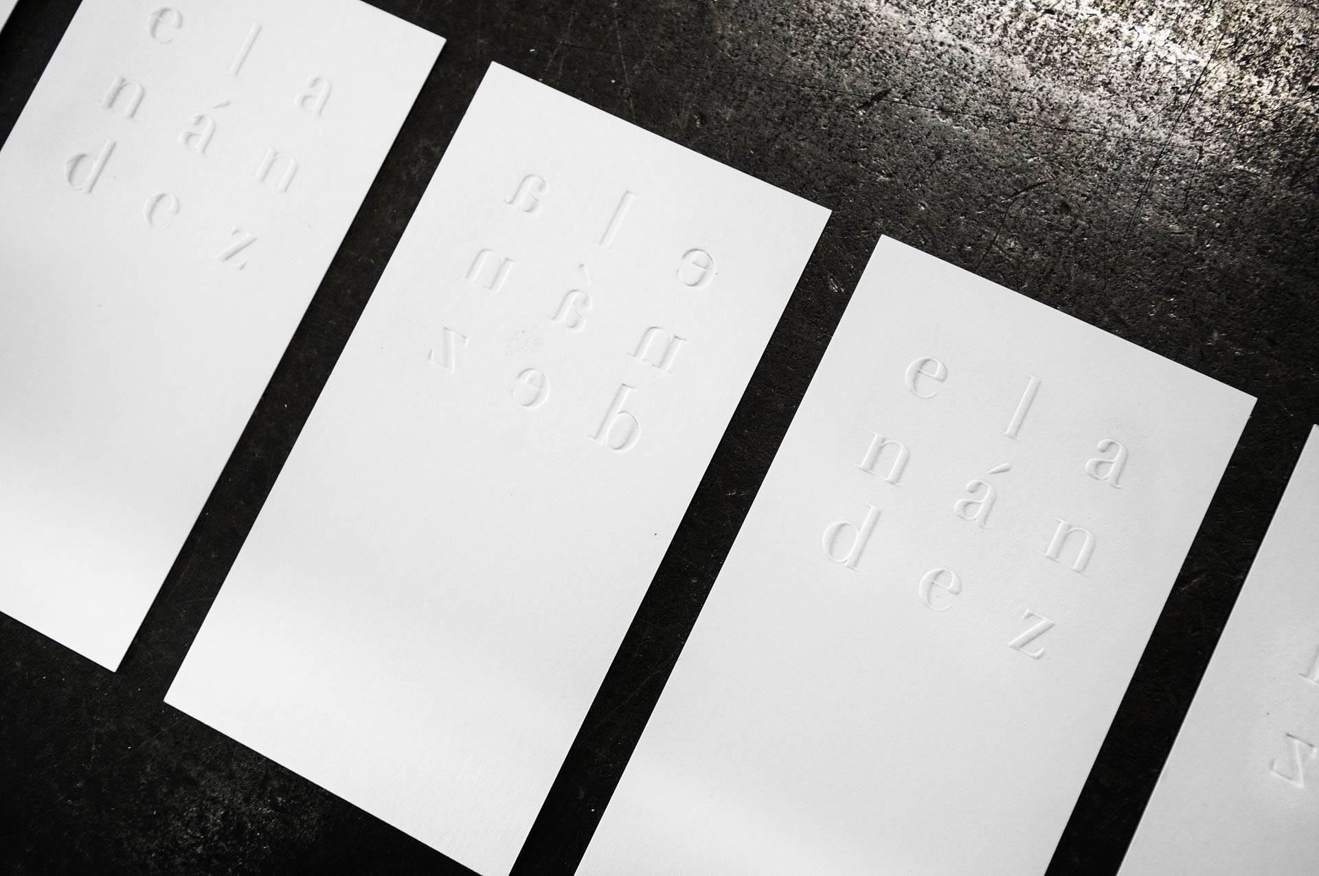 Blindprägung Visitenkarte Wolf-Manufaktur