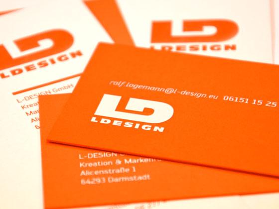 Visitenkarten mit Farbschnitt und Heißfolienprägung, samt veredelten Briefbögen