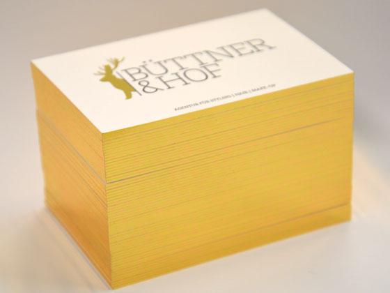 Mit einem Goldschnitt veredelte Visitenkarten