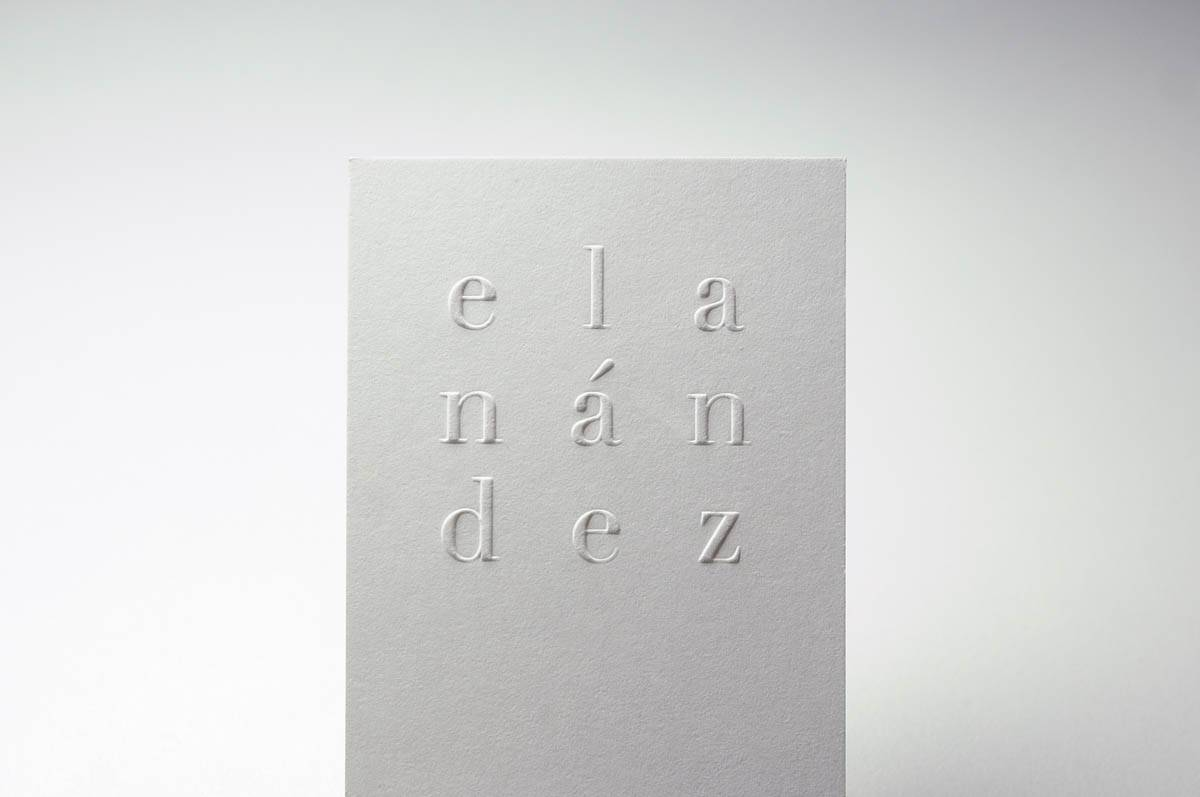 blindpraegung-visitenkarte-text-wolf-manufaktur