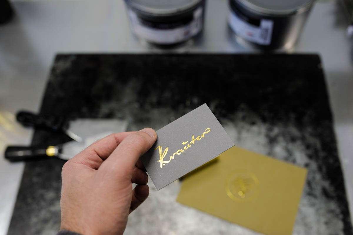 heissfolie-folienschnitt-gold-wolf-manufaktur-2