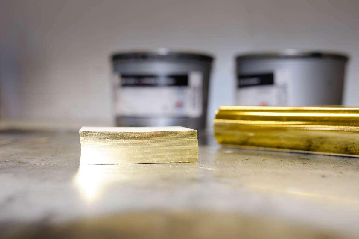 heissfolie-folienschnitt-gold-wolf-manufaktur-4