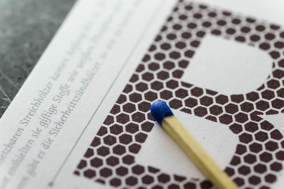 wm-blog-beyond-letterpress-karte-streichholz-reibefläche-4
