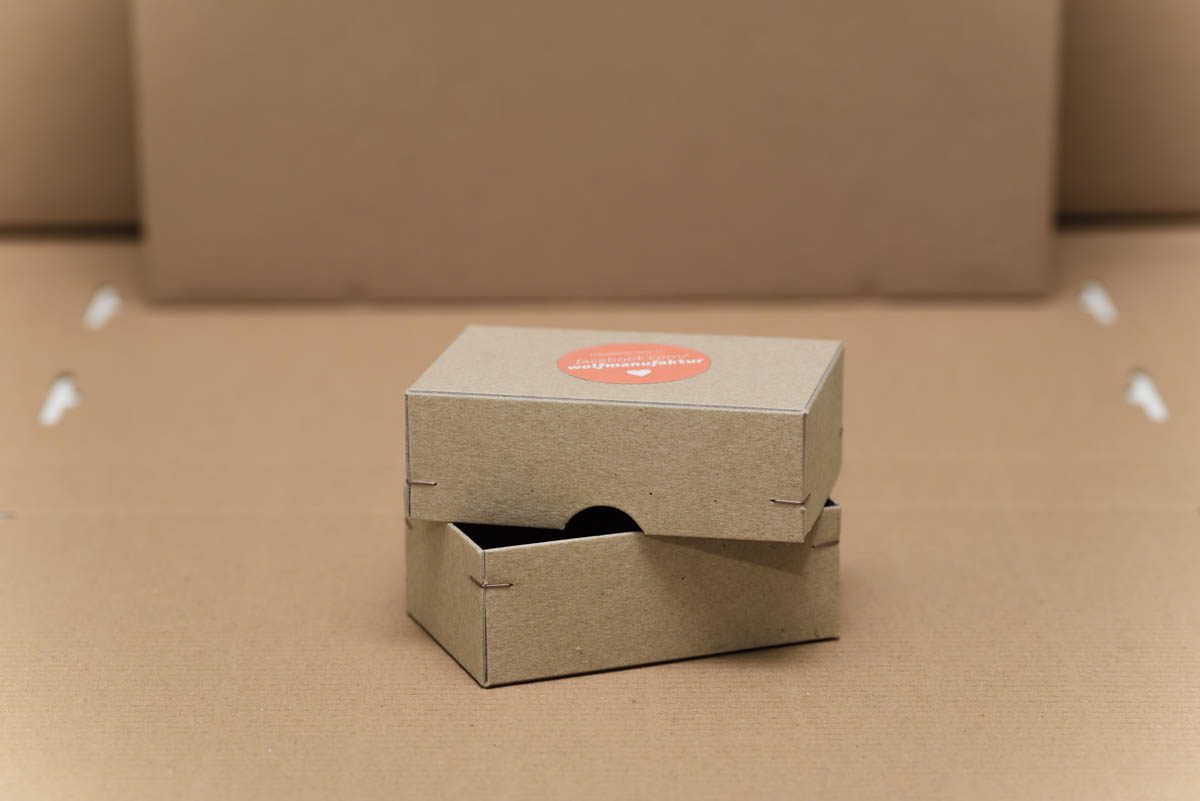 wm-eckenheftung-verpackung-veredelung-4