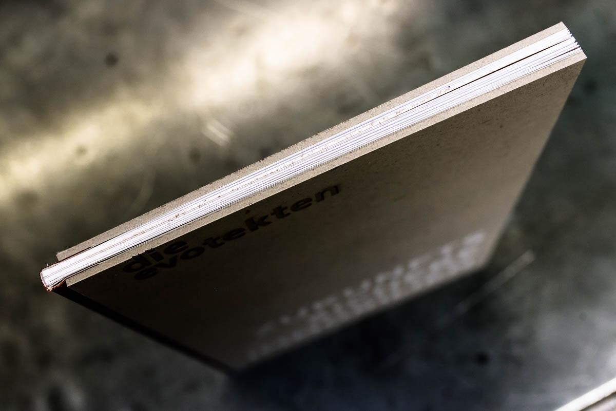 wolf-ingelheim-die-evotekten-steifbroschur-lasergravur-siebdruck-1