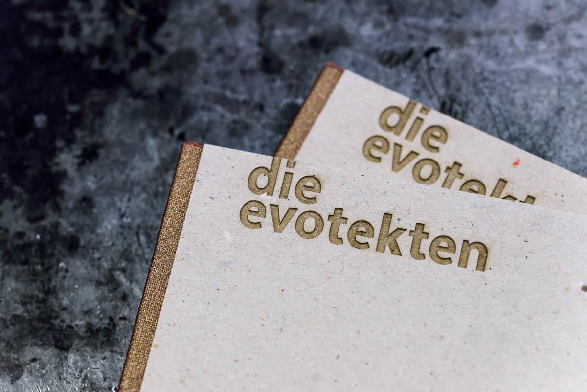 wolf-ingelheim-die-evotekten-steifbroschur-lasergravur-siebdruck-9