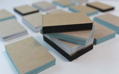 Blanko-Visitenkarten mit Farbschnitt aus Kraftkarton – werden Sie kreativ