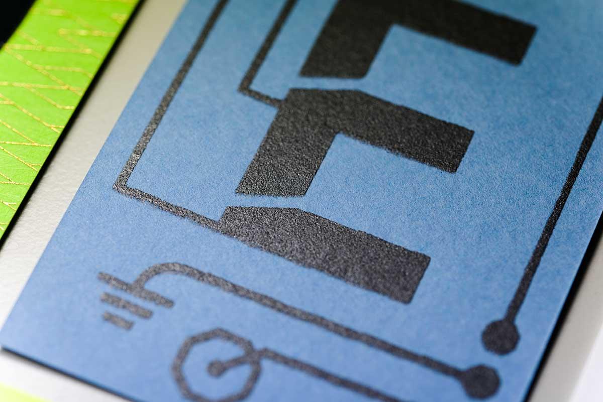 wolf-manufaktur-musterkollektion-beyond-letterpress-karte-e-leitfaehige-farbe-detail